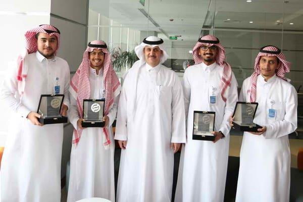 الراجحي الاستثمارية تكرم طلاب البرنامج التعاوني بجامعة الملك سعود